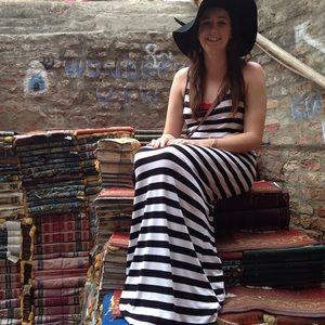Dresses & Skirts - Black & white striped racerback stretch maxi dress